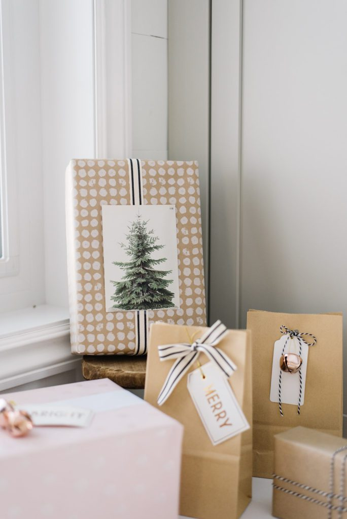 Free printable Christmas tree print from Julie Blanner - The Ginger Home Christmas gift wrapping tips