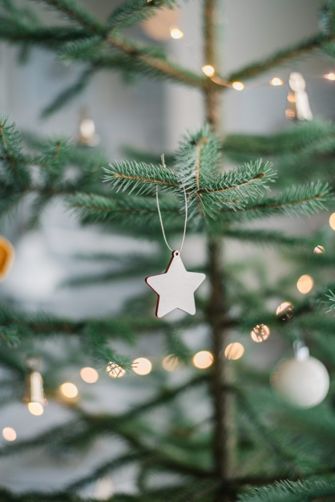 Simple wooden ornaments - minimal holiday home decor