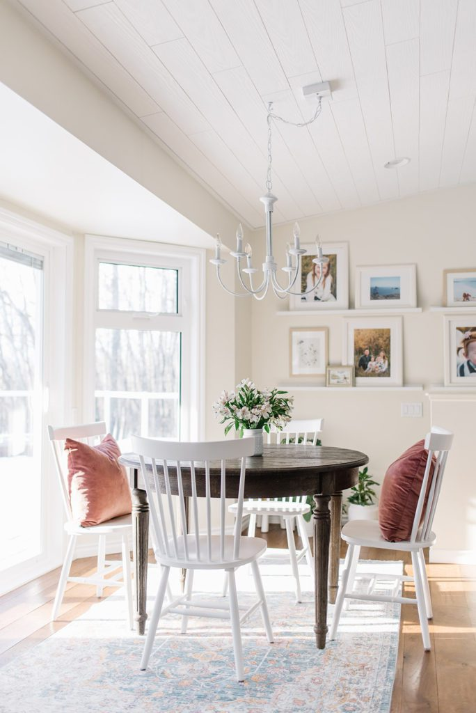 Dining room with white chandelier